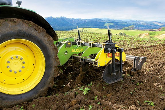 Sweeping legs on the ALCE-P can rip and loosen soil down to 600mm