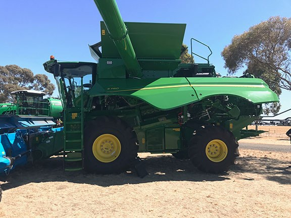 John Deere S780 Combine Harvester at Wimmera Field Days