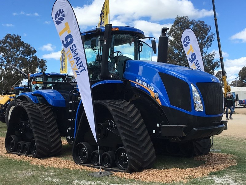 New Holland T9.670 tractor