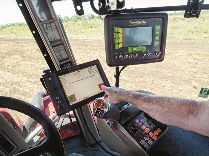 3925 Case IH Steiger Rowtrac 450 controls