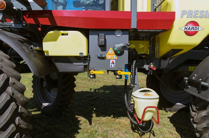 5866 Hardi Presidio sprayer