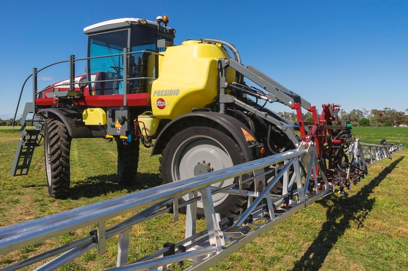 5891 Hardi Presidio sprayer boom