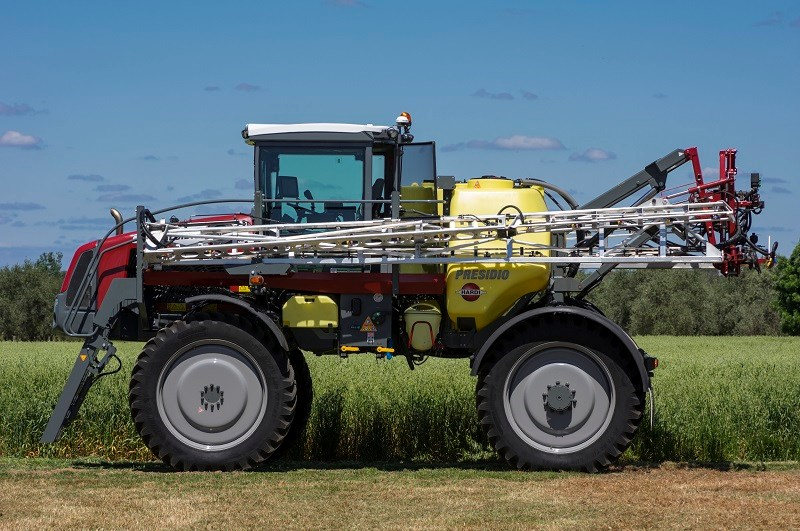 5950 Hardi Presidio sprayer clearance