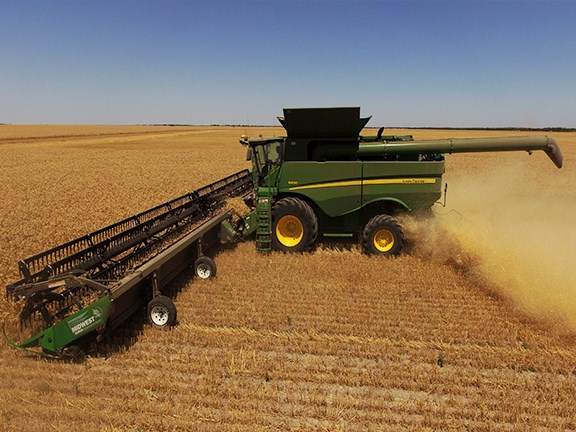 The Midwest Durus is the largest harvest draper platform currently available in Australia.