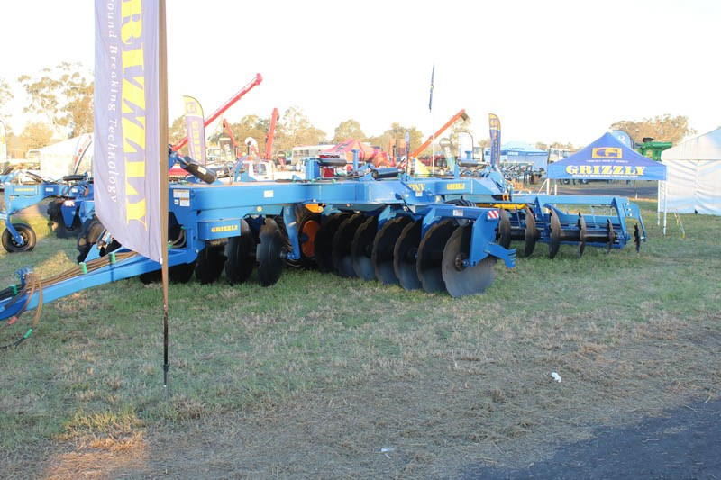 AgQuip 2015 Grizzly Engineering