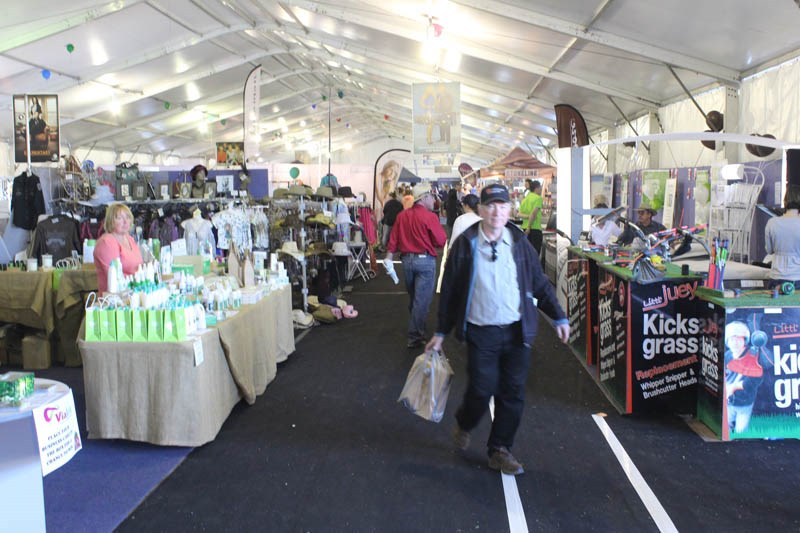 AgQuip 2015 shoppers