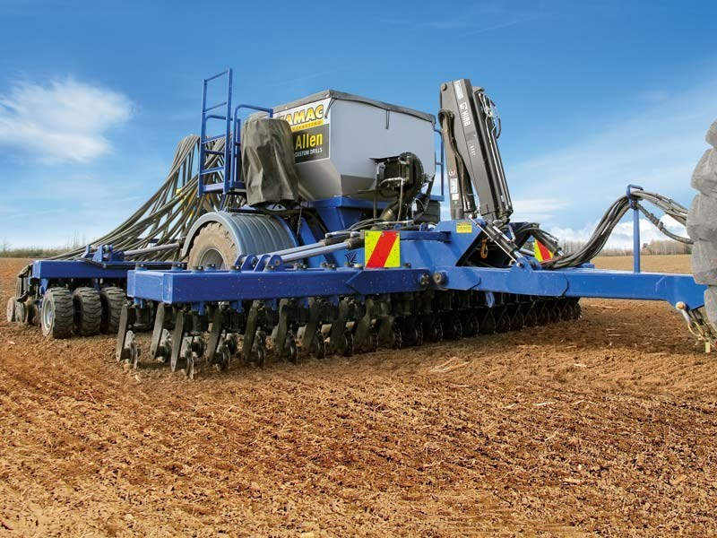 The hydraulic down pressure ensures even disc penetration