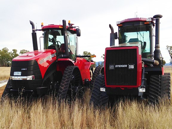 The Case IH Quadtrac 400 and Steiger Rowtrac 400 tractor side by side.