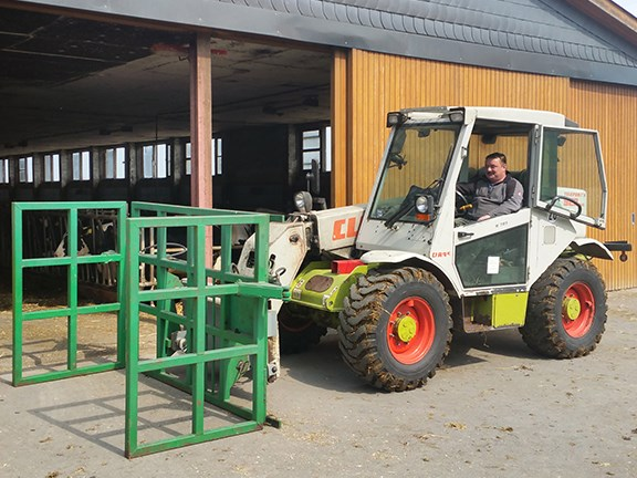 This early model Claas Ranger 928 Plus telehandler has chalked up 30,000 operating hours.