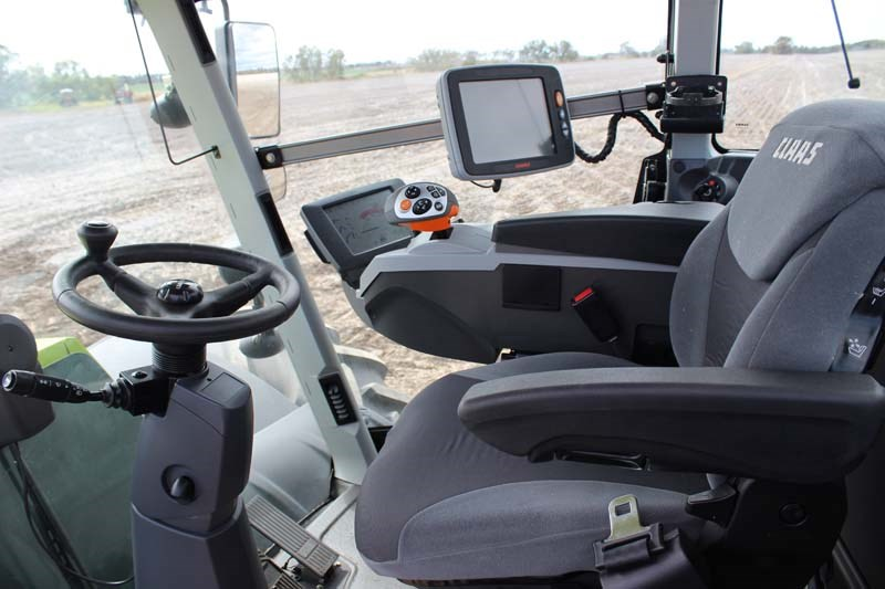Claas Xerion 5000 cabin 9656
