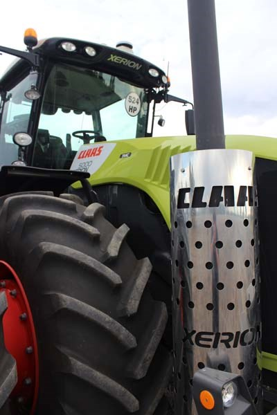 Claas Xerion 5000 exhaust 9470