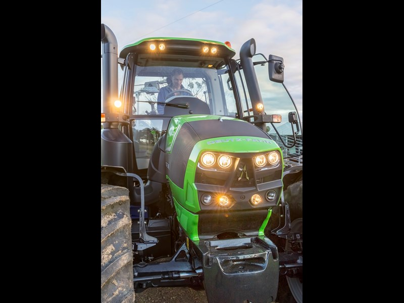 Deutz Fahr 6160C LED lighting