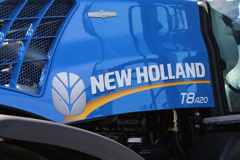 Dowerin 2014 New Holland T8 420
