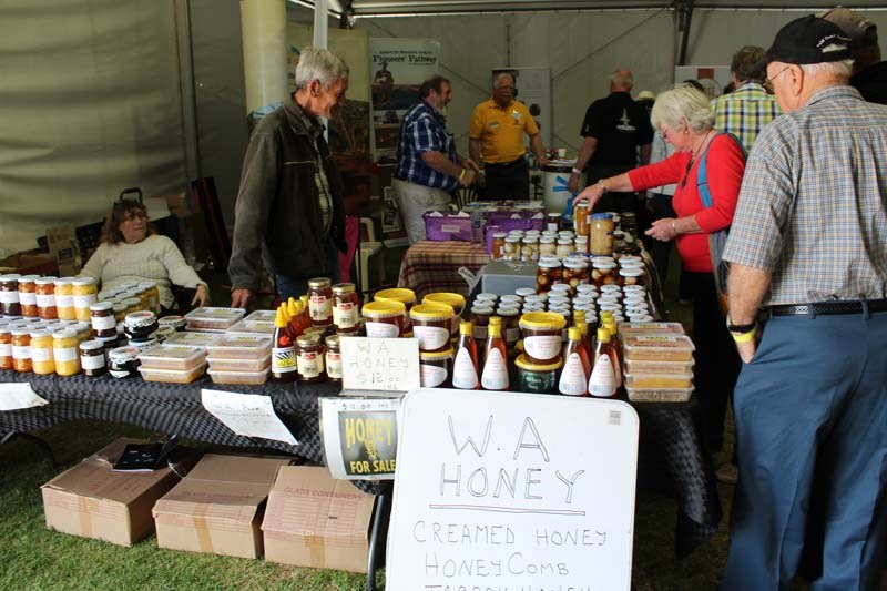 Dowerin 2014 honey stall