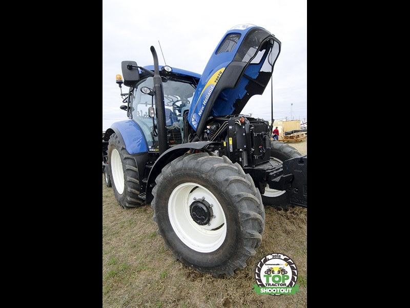 New Holland T6070 Elite-engine servicing