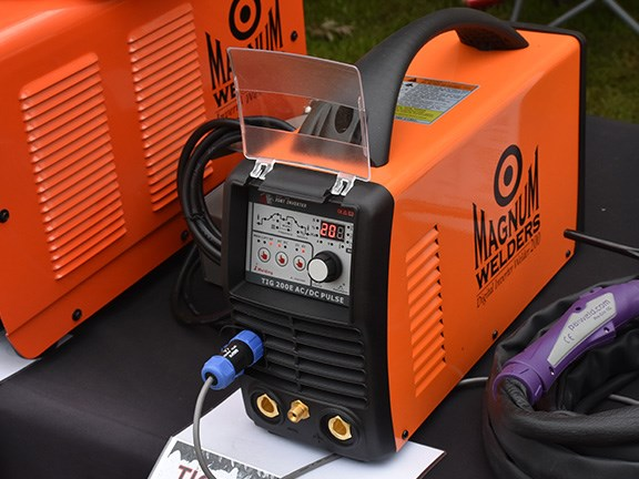 Weighing only 7kg the Magnum Welders Mini Digital TIG 200E is one of the lightest digital AC/DC TIG welders on the Australian market
