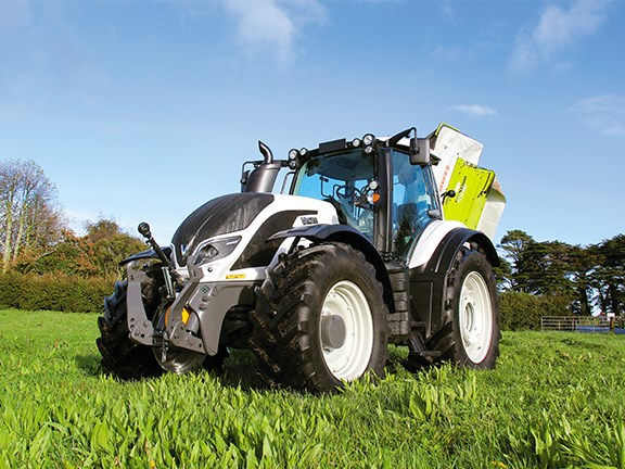 The Valtra T174ecoD has an impressive slew of awards under its snow white belt.