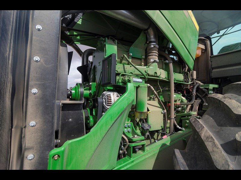 John Deere 9410R tractor enginejpg