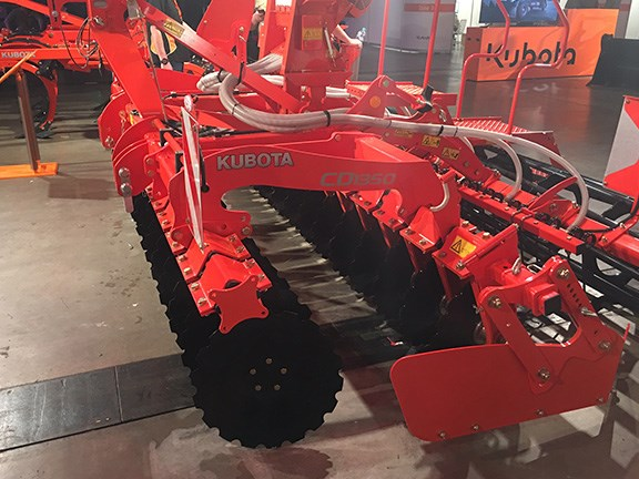 The Kubota CD1350 is a 3.5m-wide compact disc harrow designed for high-speed cultivation and crop residue incorporation. Available in rigid, folding or trailed configuration, the CD1000 and heavier-duty CD2000 series range in working widths from 3m to 5m.