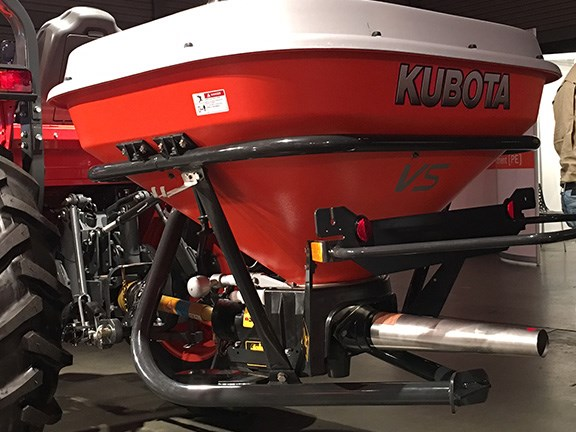 The Kubota VS pendulum linkage spreaders use the pendulum action of the spout to deliver a more accurate spread pattern. They are available in four hopper sizes from 220 litres to 650 litres and spread a variety of products including slug bait, seed and even sand on golf courses.