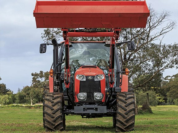 Its's a big, strong-looking machine with great ground clearance of around 560mm.