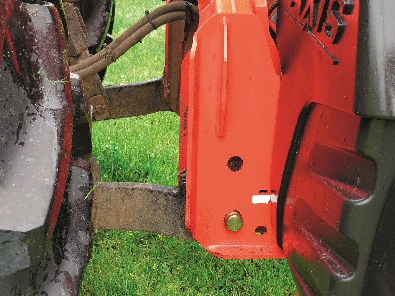 Kuhn Axis 50 1 3PL hitch