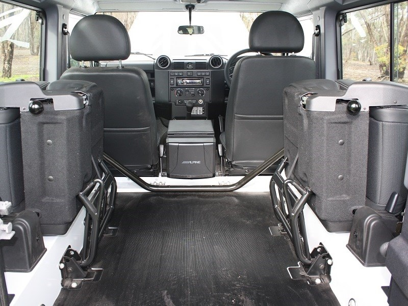 Land Rover Defender 90 10 seats