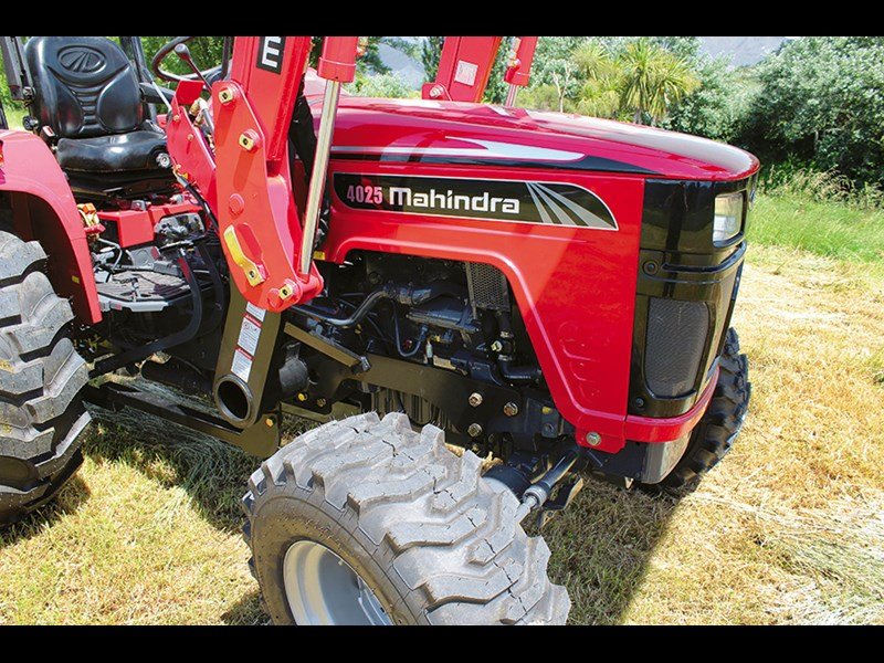 Mahindra 4025 compact tractor review