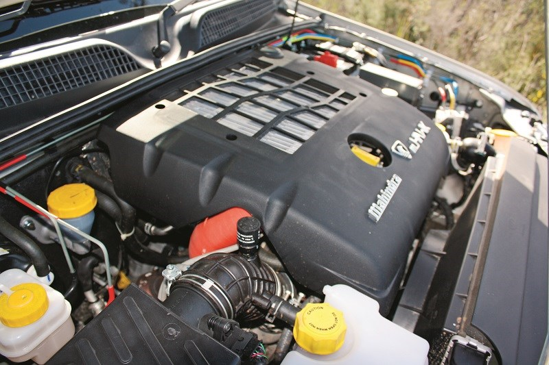Mahindra Pik Up dual cab ute engine