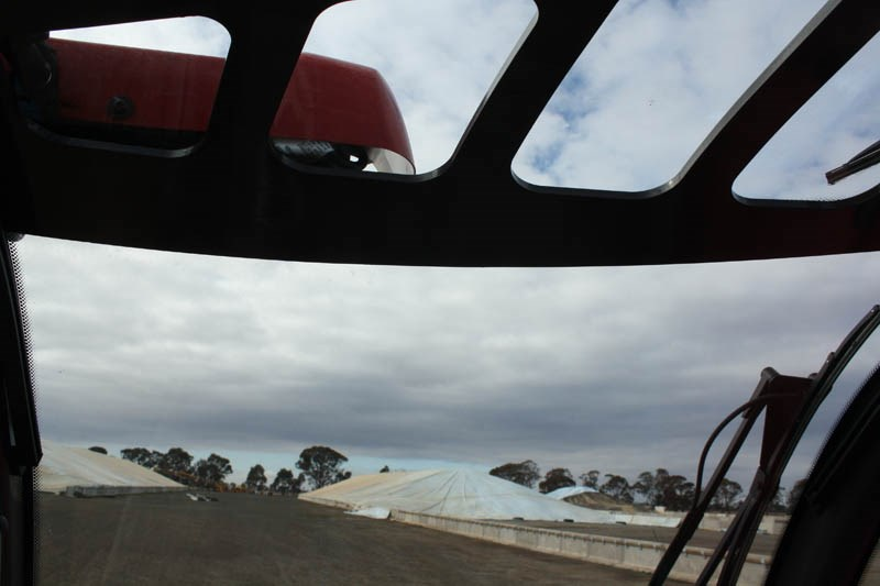 Manitou MLT X 960 8 overhead visibility