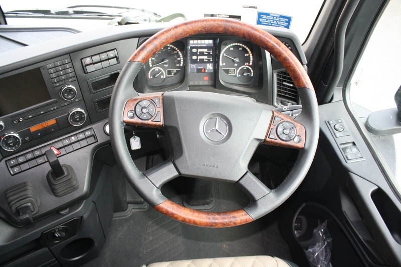 Mercedes Benz Arocs interior