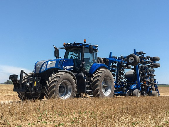 The New Holland NHDrive concept tractor can operate with or without a driver.