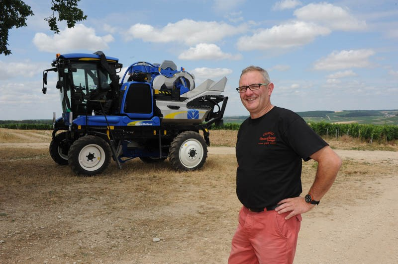 Patrice Vocoret et New Holland harvester Chablis