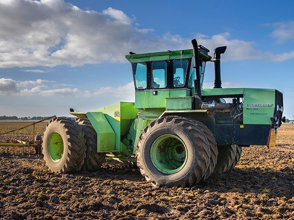 Dan Dickson says that his 30-year-old Steiger Panther CM-325 tractor is not overspeced and parts are readily available.