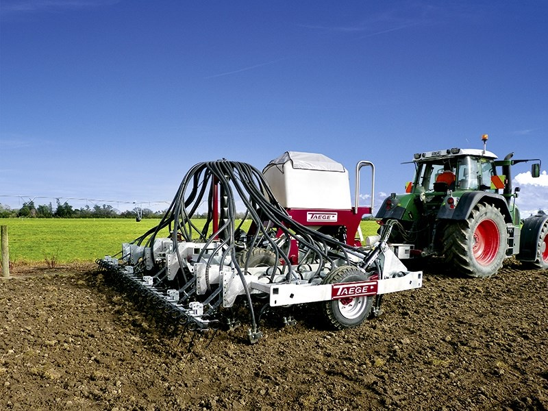 Taege 6m air seeder drill