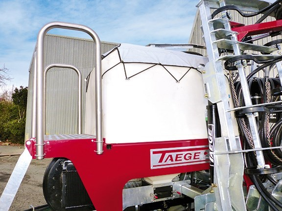 Taege 6m air seeder hopper