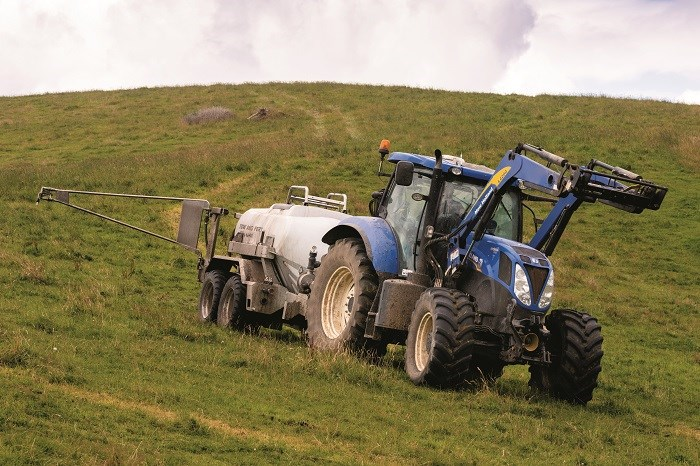 Tow and Fert Multi 4000 with tractor
