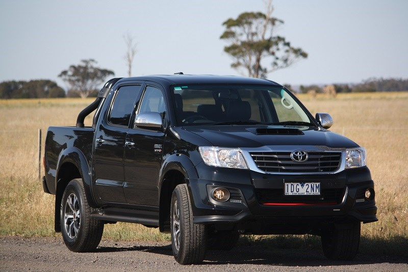 Toyota Hilux Black edition 2014 3