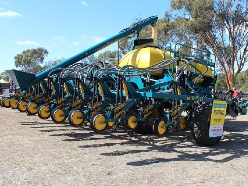 Wimmera field days equalizer seeder