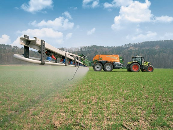 Claas tractor with Amazone sprayer