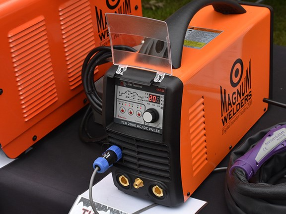 Magnum Welders Mini Digital TIG 200E AC/DC Pulse TIG/Arc/Aluminium 200-amp welder