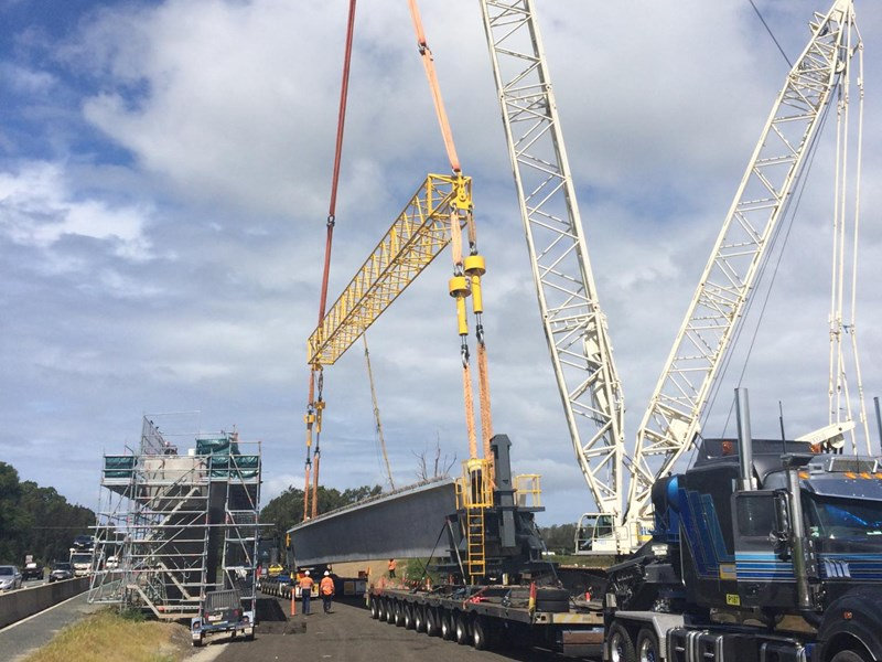 An Enerpac SyncHoist lifting system is used to lift beams as part of the Pacific Highway upgrade in Queensland