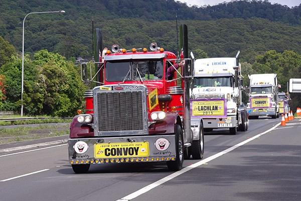 Allan Doherty's Peterbilt leads the convoy along the Princes Motorway.