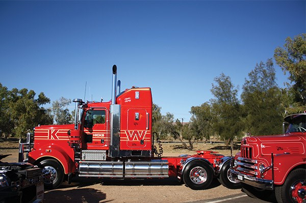 This new T909 belonging to Gerard Hicks of Hicks Contracting is a replica of his first W model Kenworth.