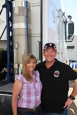 Shannon and Denise Brown arrived in a Gunn Freight Kenworth.