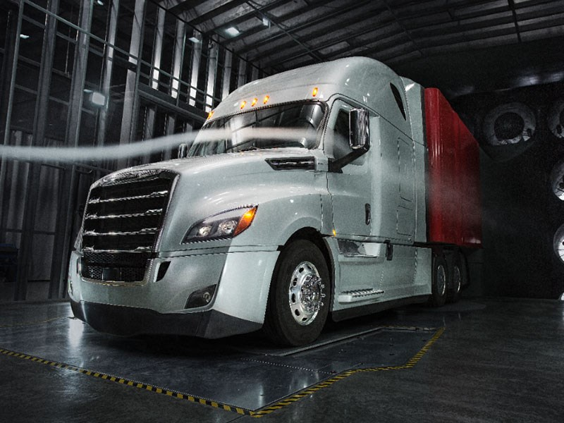 Freightliner Cascadia Launch US TradeTrucks2