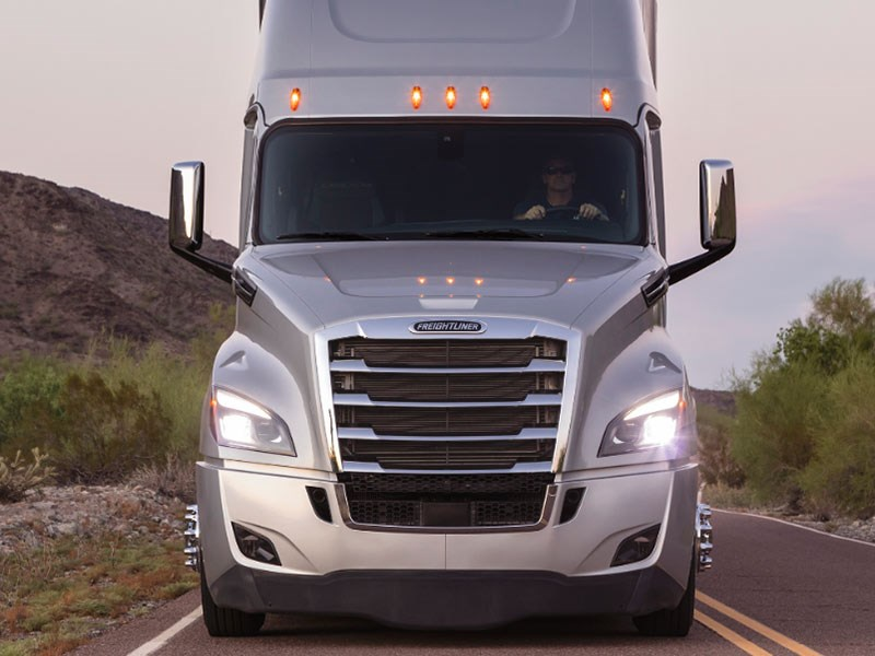 Freightliner Cascadia Launch US TradeTrucks3
