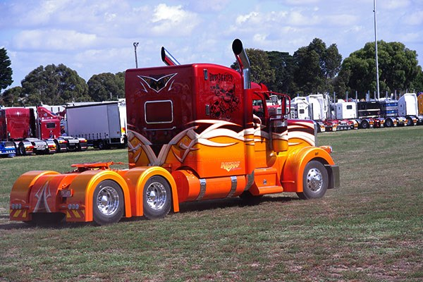 NGH Express' Peterbilt makes its showground entrance.