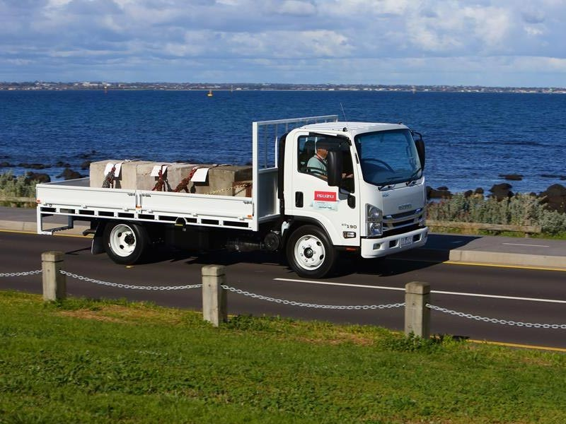 Isuzu N Series 2016 Update TC AMT Humphries TradeTrucks2