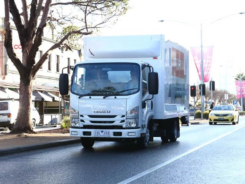 Isuzu N Series 2016 Update TC AMT Humphries TradeTrucks4